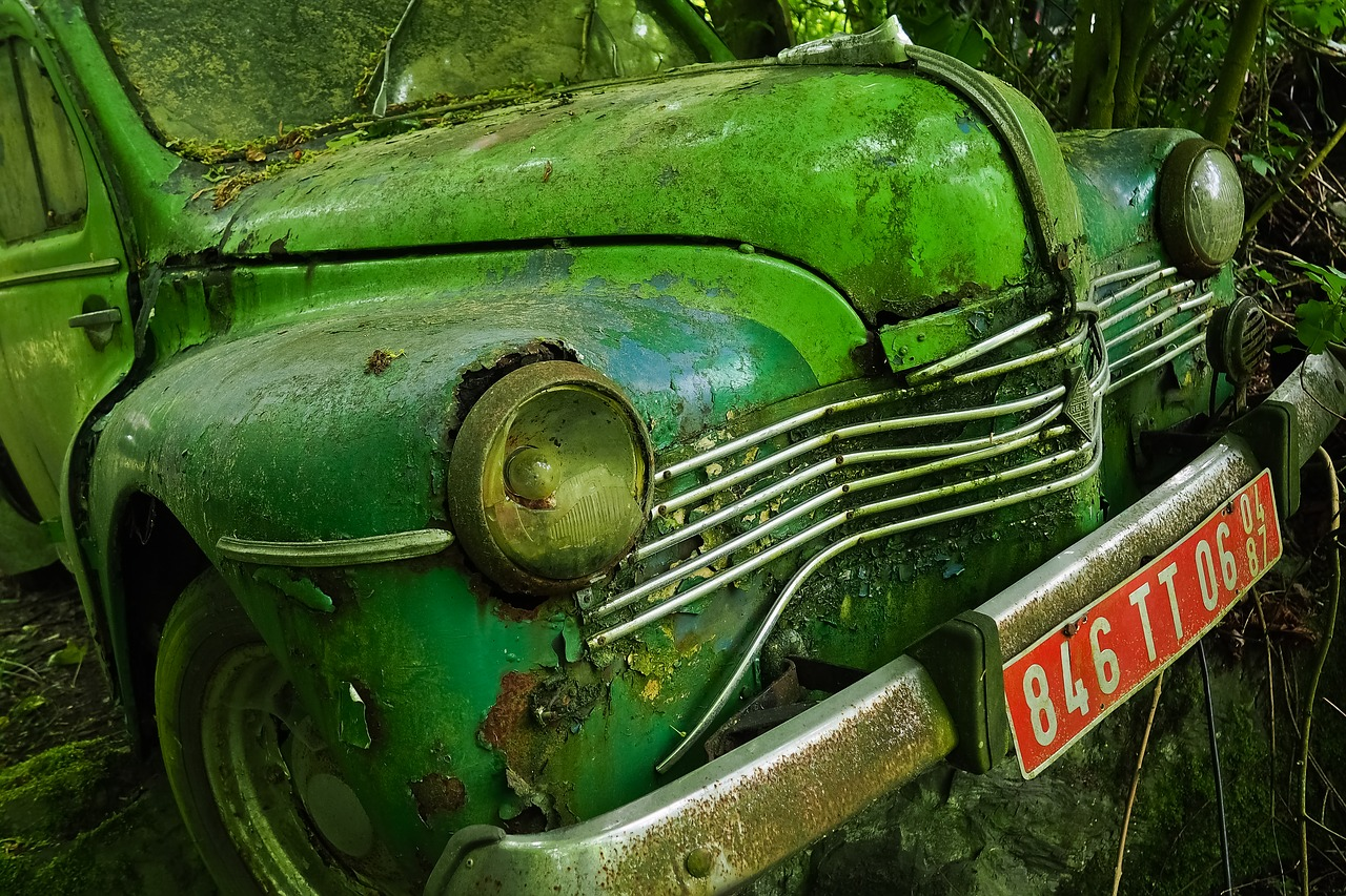 Selling old cars for cash near Salem MA