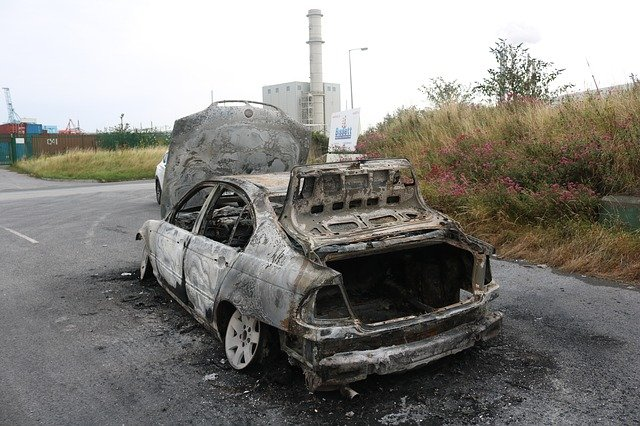 Places that buy junk cars without title near Middleton MA