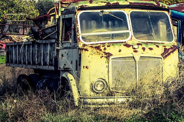 places that buy junk cars without title near Lynn MA
